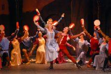 """""""Ромео и Джульетта"""" в переполненном театре Тео Отто."""
